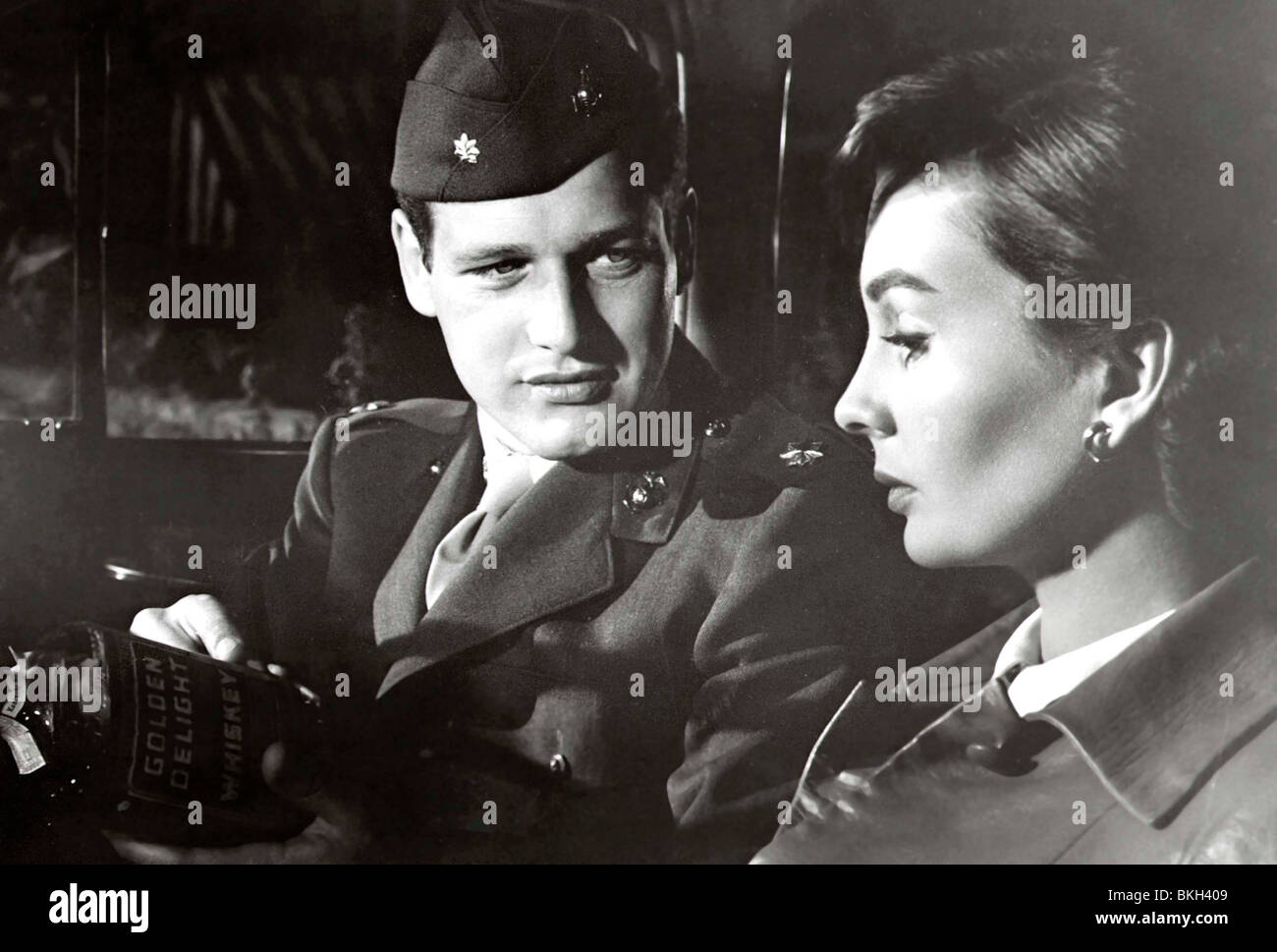 UNTIL THEY SAIL (1957) PAUL NEWMAN, JEAN SIMMONS UNTS 001P - Stock Image