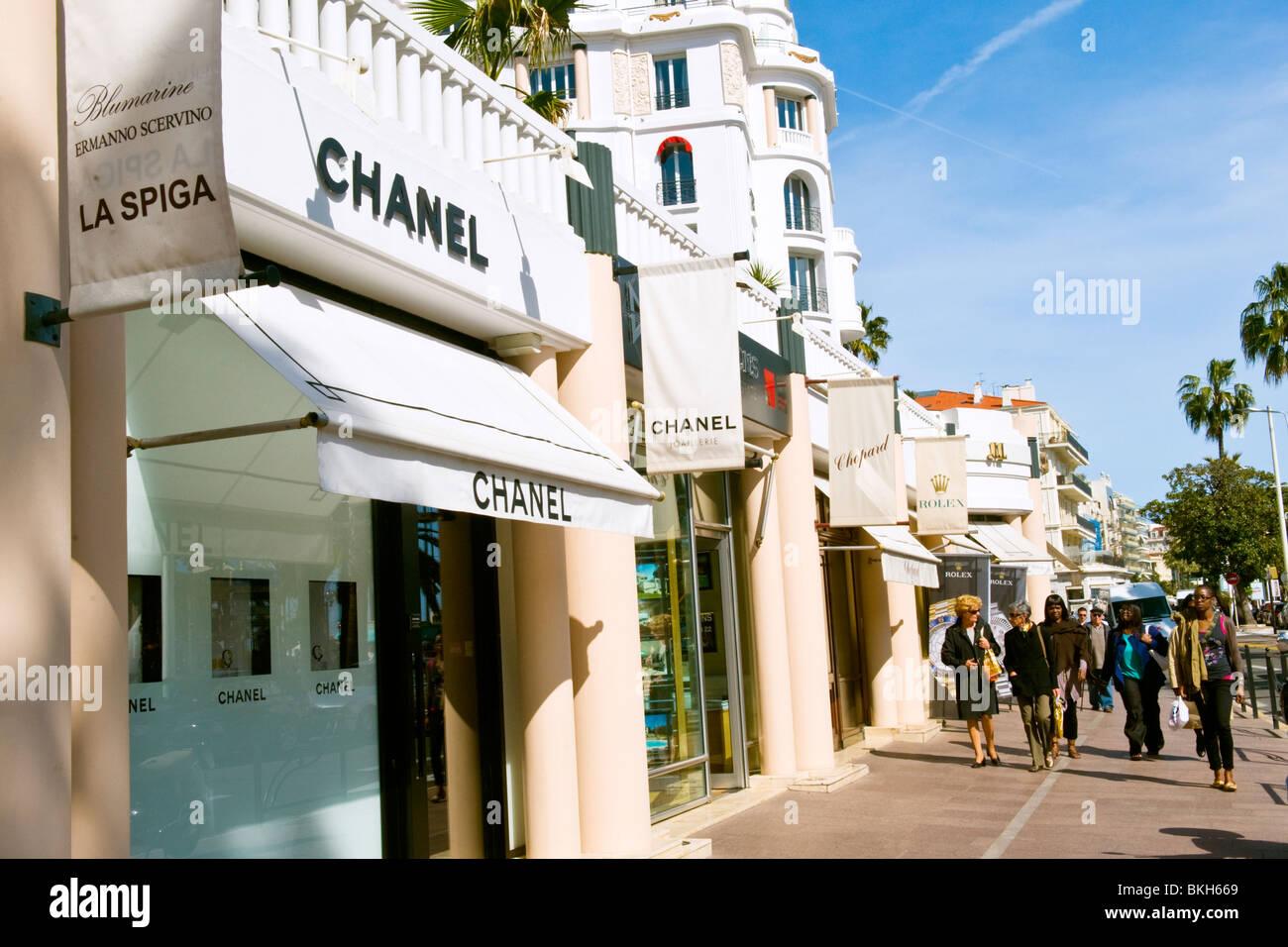 Cannes Cote D'Azur South of France La Croisette luxury designer jewelery & watch shops store Chanel Chopard - Stock Image