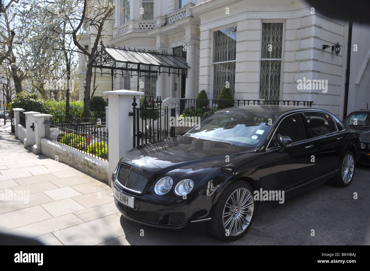 Characteristic cream stucco with bently car mansion london england characteristic cream stucco with bently car mansion london england uk voltagebd Image collections