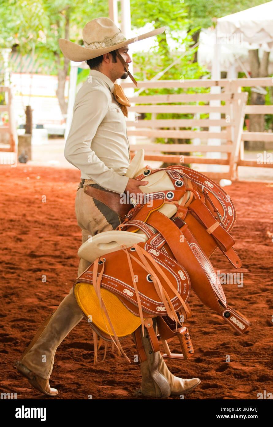 e2d560e51464b Mexican Cowboys Stock Photos   Mexican Cowboys Stock Images - Alamy