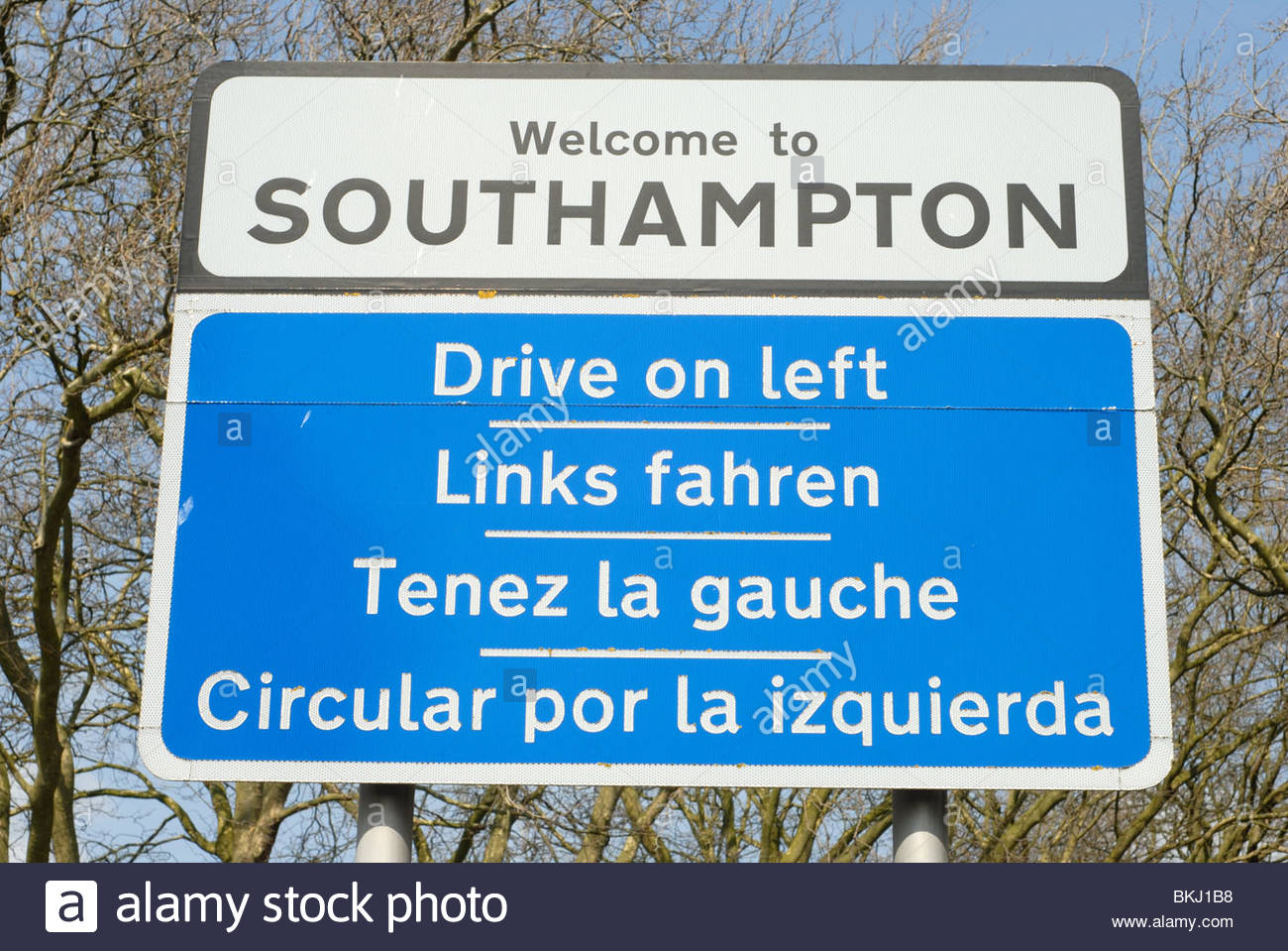 Southampton UK: Sign: Welcome to Southampton - Drive on left. - Stock Image