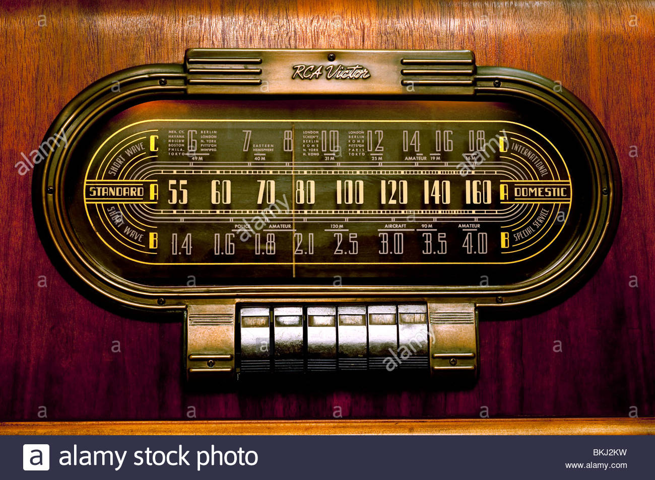 Vintage Antique RCA Radio 1940 Model 19K Short Wave amateur bands beautiful old Antique Close Up of Dial and knobs - Stock Image