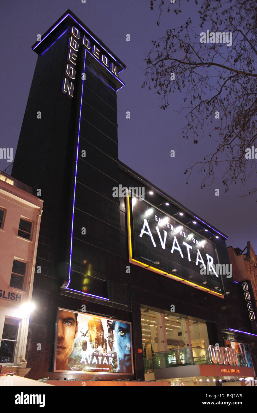 Avatar showing at the Odeon Leicester Square London December 2009 - Stock Image