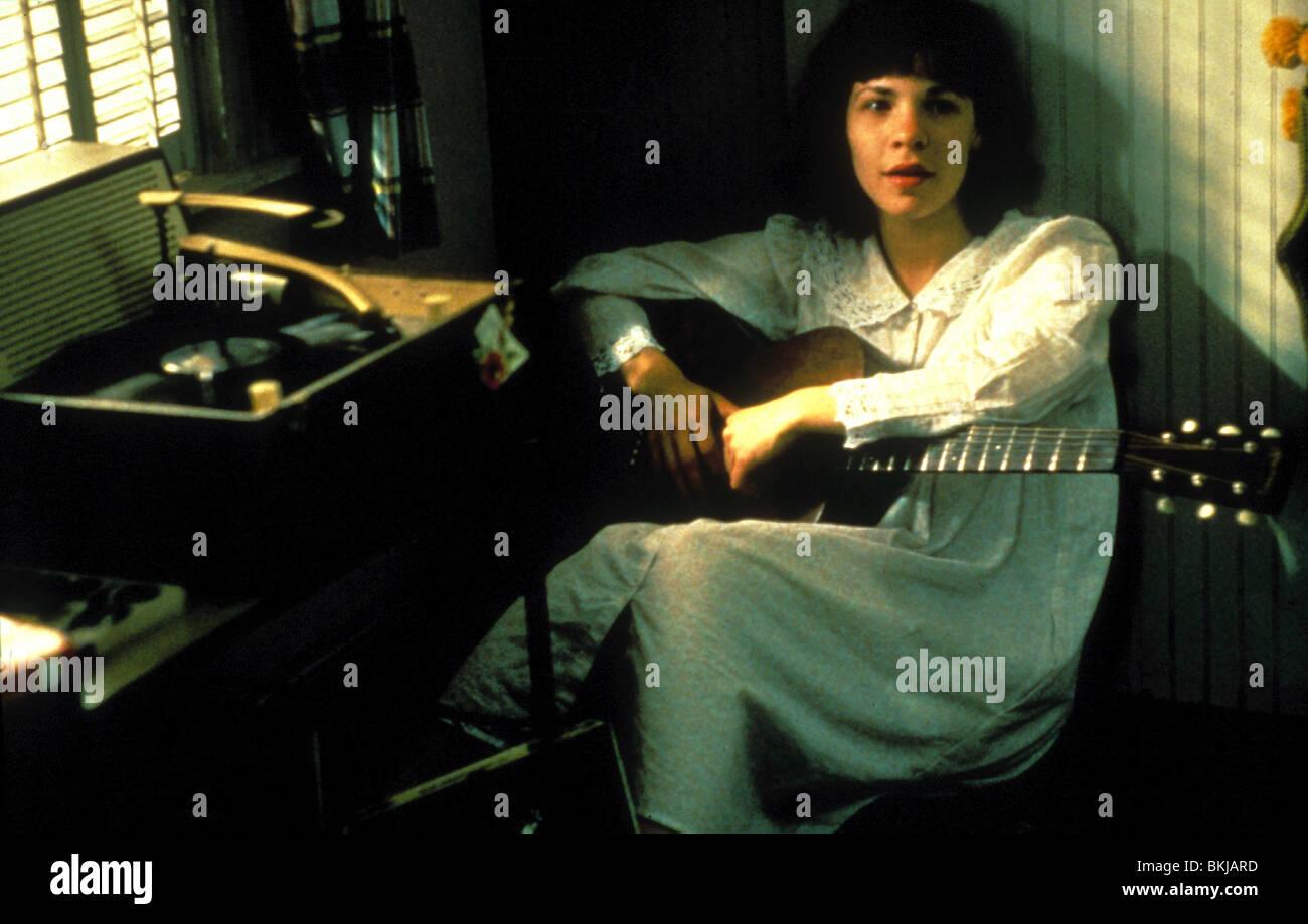 DOGFIGHT -1991 LILI TAYLOR - Stock Image