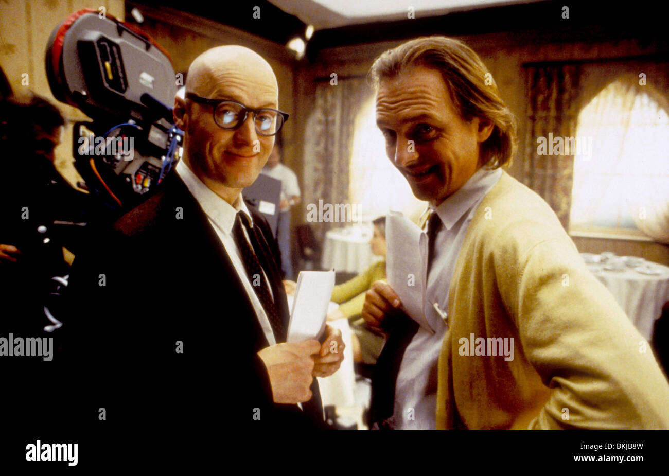 ADRIAN EDMONDSON (DIR) O/S 'GUEST HOUSE PARADISO (1999)' WITH RIK MAYALL ADED 001 - Stock Image