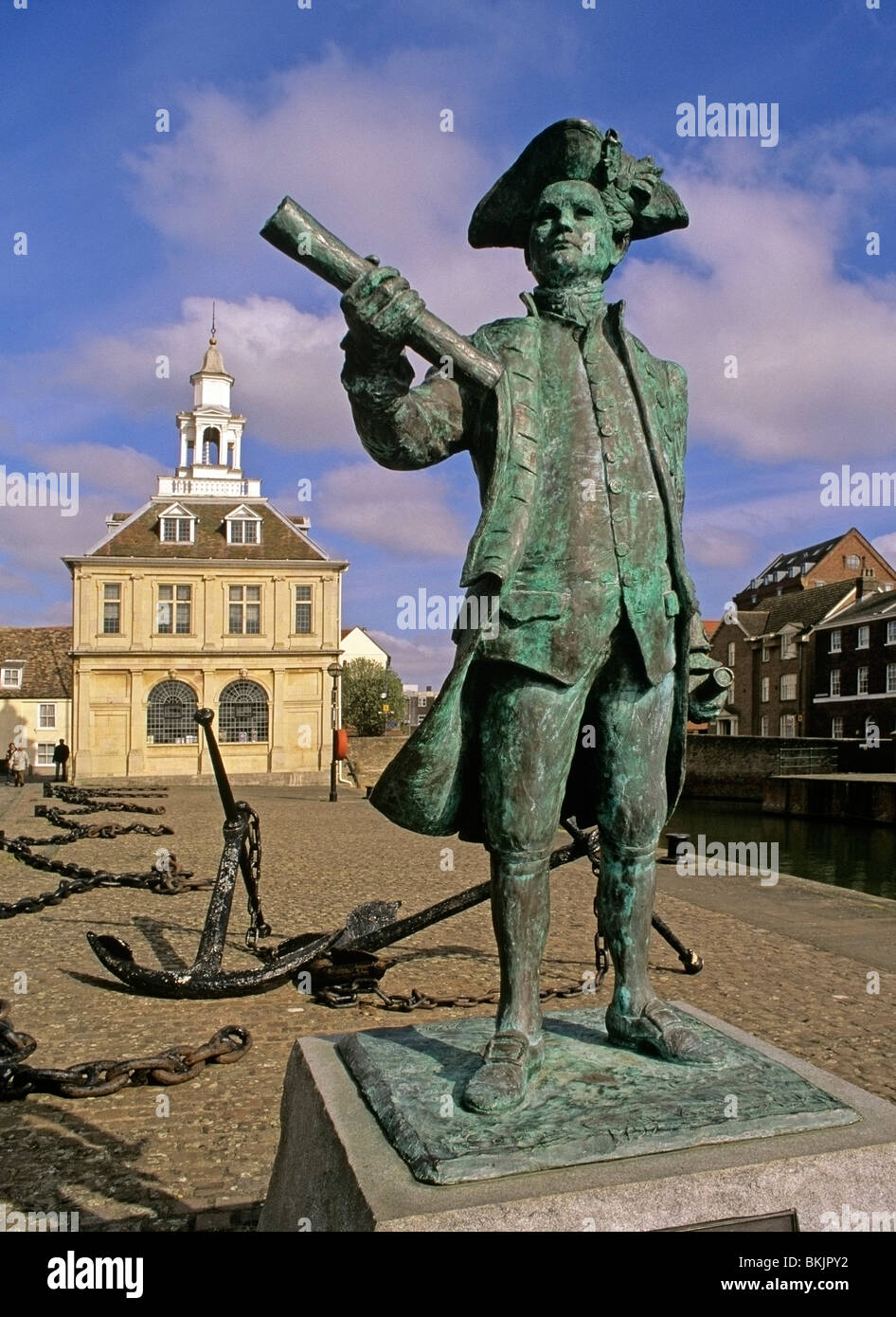 Statue of Captain George Vancouver on Purfleet Quay Kings Lynn - Stock Image