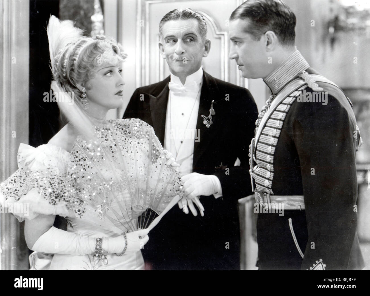 THE MERRY WIDOW (1934) JEANETTE MACDONALD, EDWARD EVERETT HORTON, MAURICE CHEVALIER MRRW 001 FOH - Stock Image
