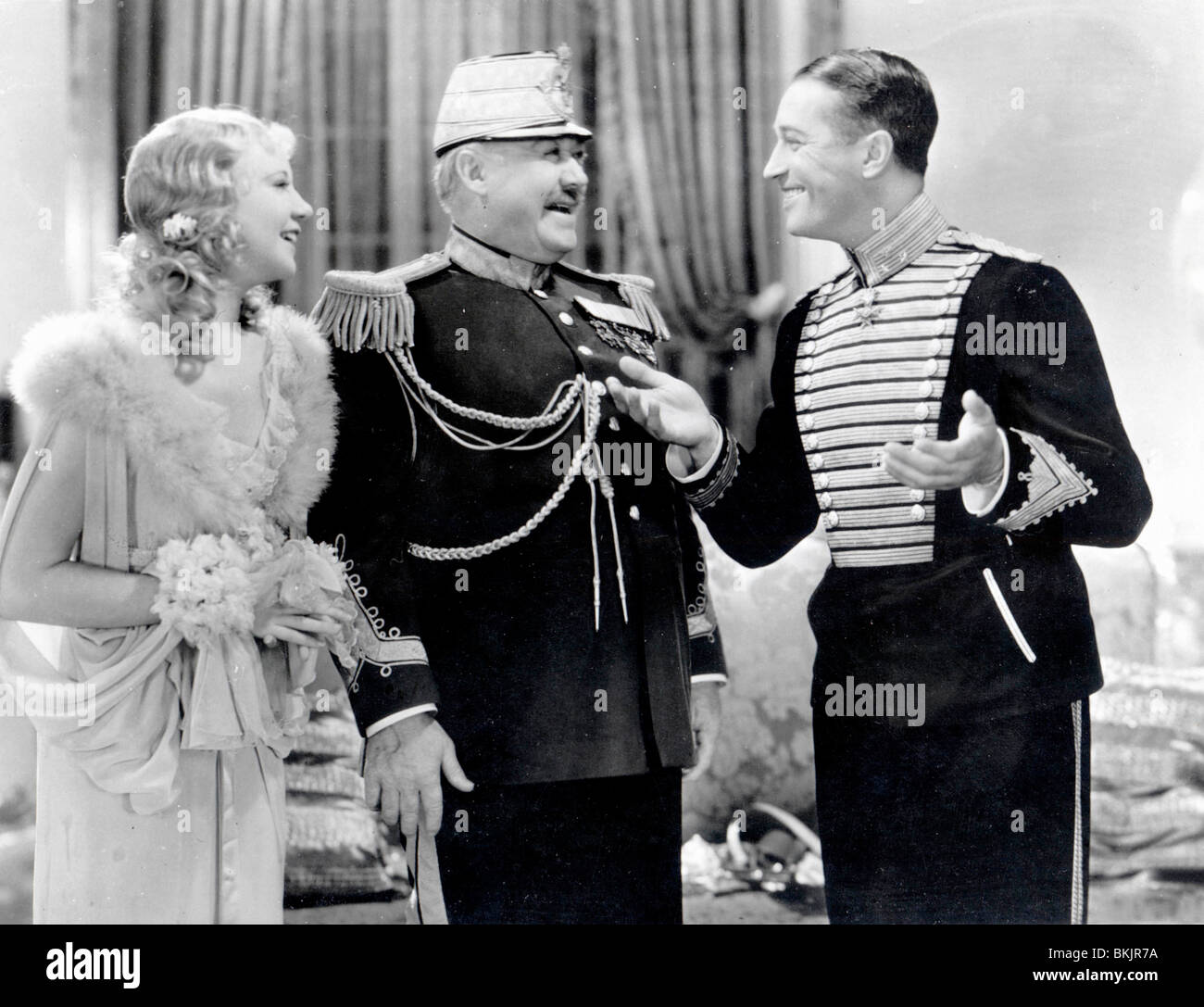 THE MERRY WIDOW (1934) UNA MERKEL, GEORGE BARBIER, MAURICE CHEVALIER MRRW 002 P - Stock Image