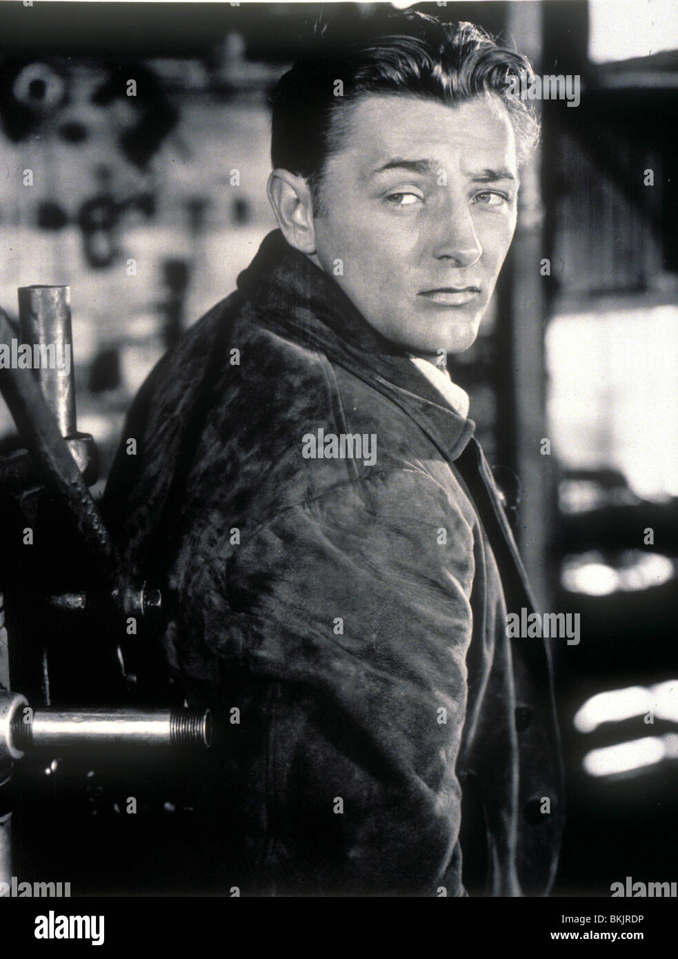 ROBERT MITCHUM O/S 'OUT OF THE PAST' (1947) RBMH 012 - Stock Image