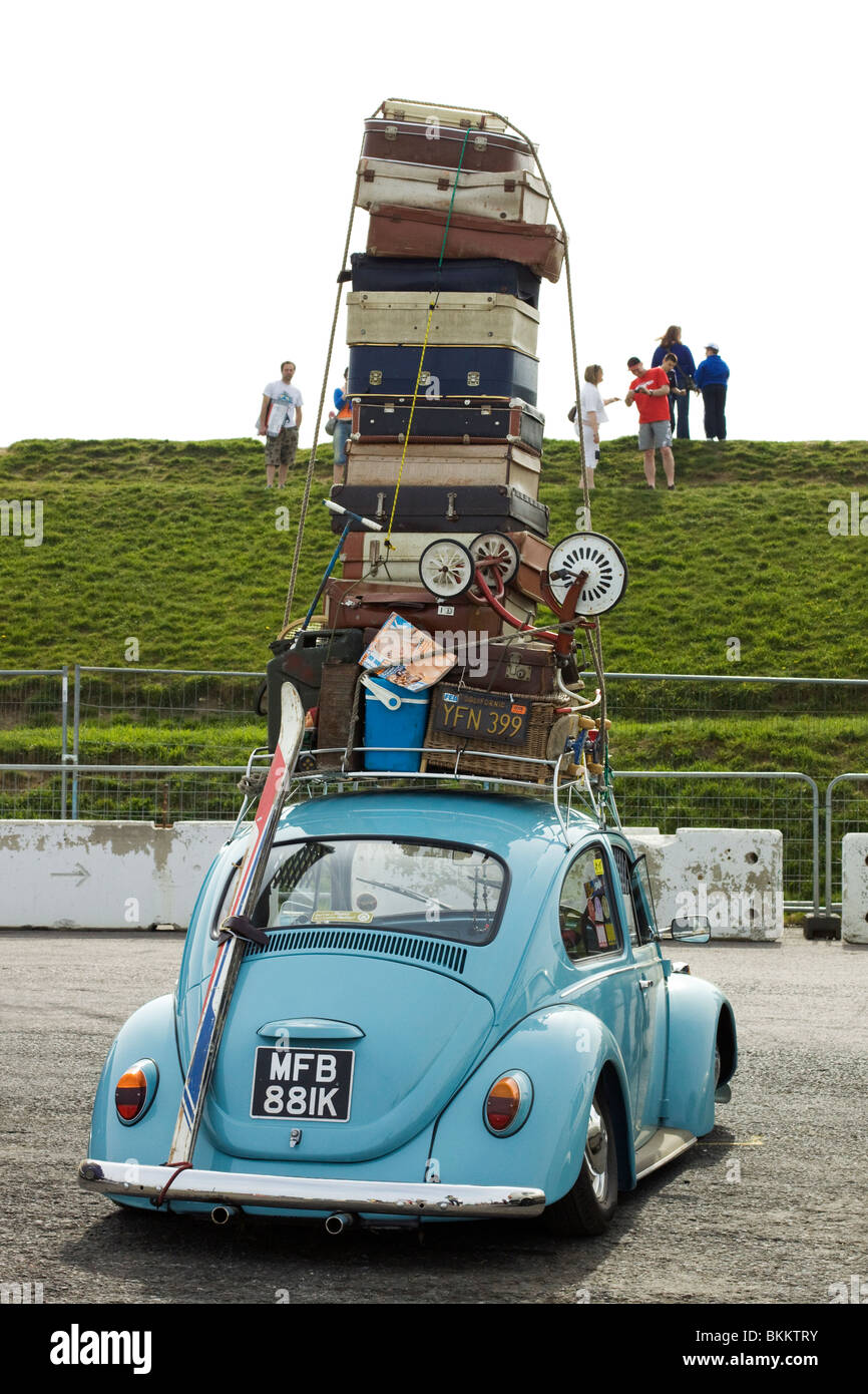 Volkswagen Beetle overloaded with suitcases at the Big bang show Stock Photo: 29325407 - Alamy