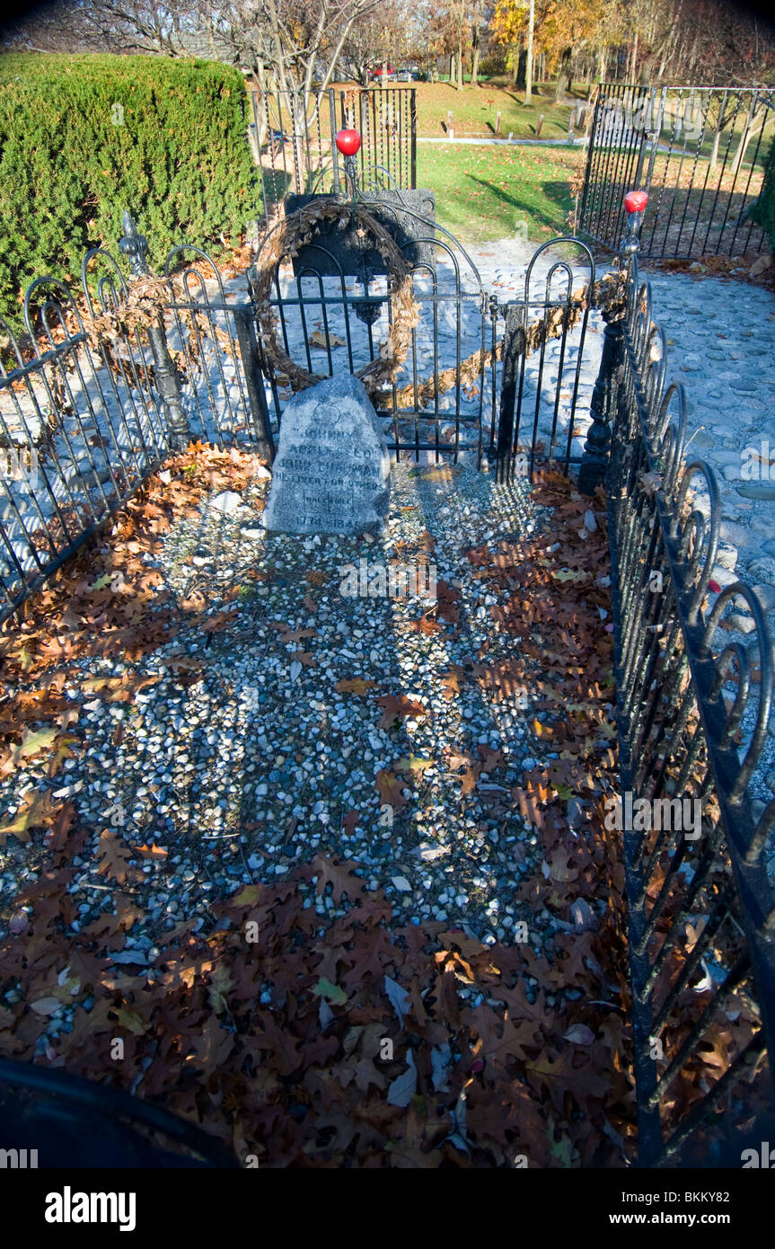The grave of John Chapman, the legendary 'Johnny Appleseed,' in Fort Wayne, Indiana - Stock Image