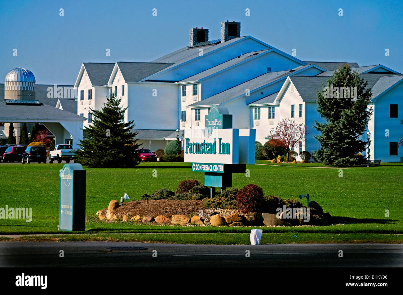 Farmstead Inn and Conference Center in Shipshewana, Indiana is near to the Yoder's Red Barn Shoppes - Stock Image