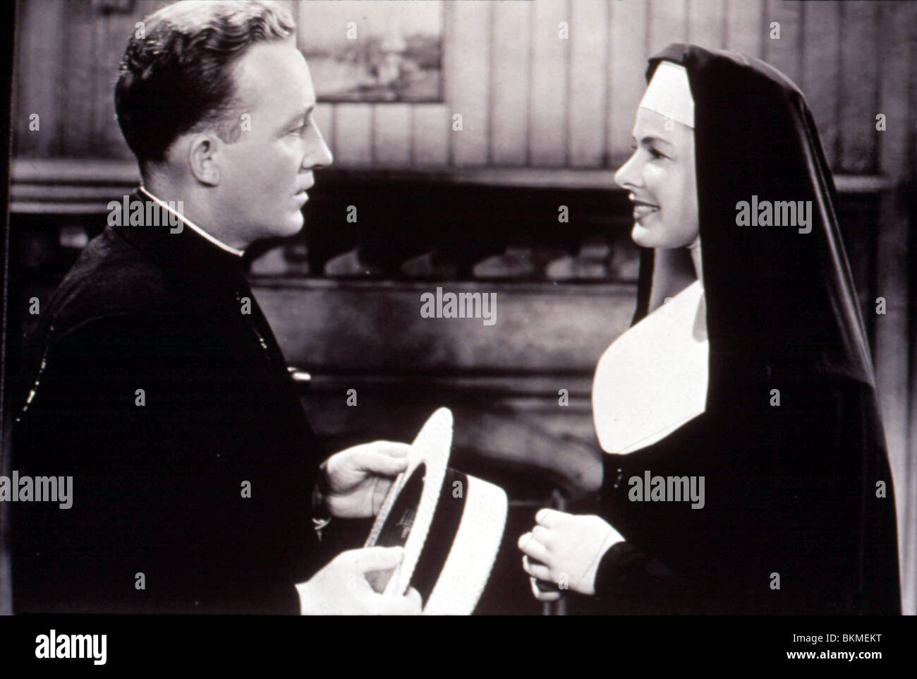 THE BELL'S OF ST MARY'S (1945) BING CROSBY, INGRID BERGMAN BSMY 001 - Stock Image