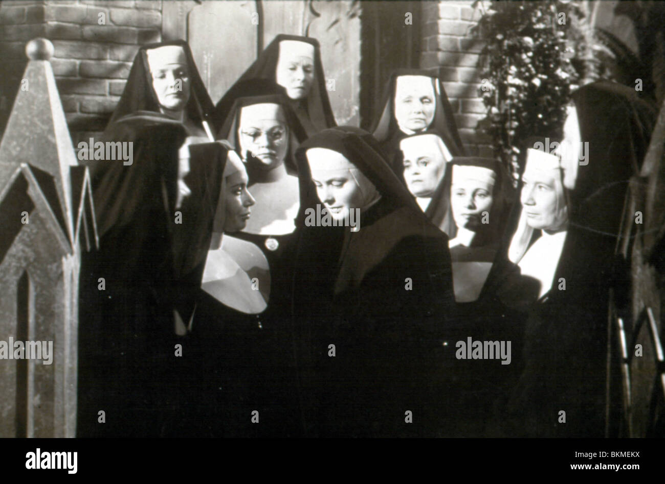 THE BELL'S OF ST MARY'S (1945) INGRID BERGMAN BSMY 002 - Stock Image