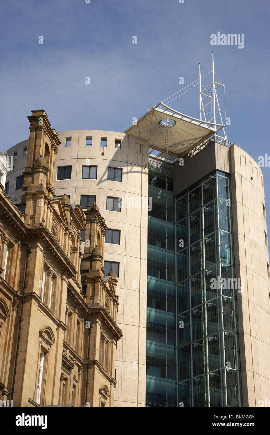 One City Square building with detail of the restored postoffice in Leeds UK - Stock Image