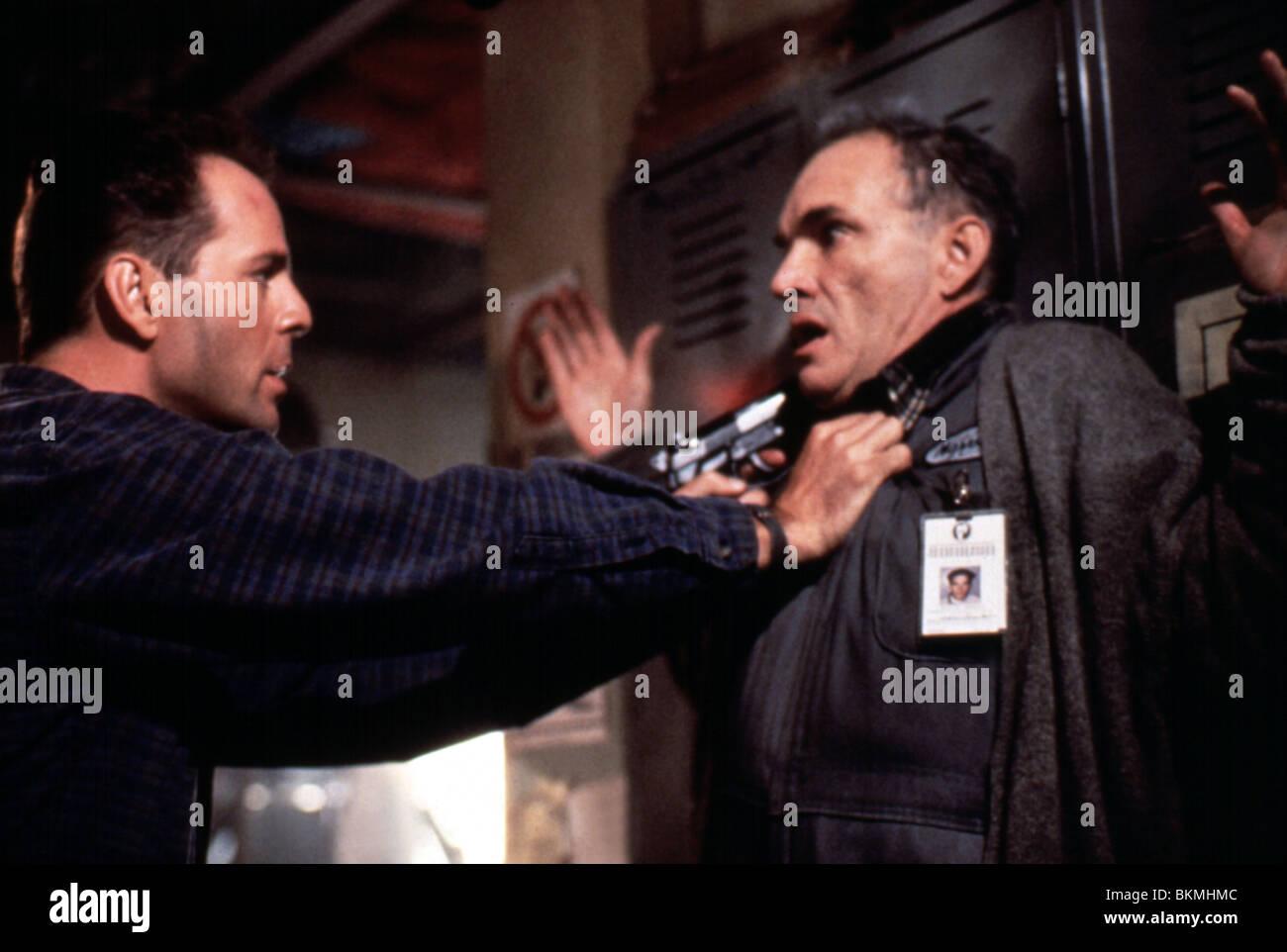 Die Hard 2 1990 Bruce Willis Tom Bower Dh2 036 Stock Photo Alamy