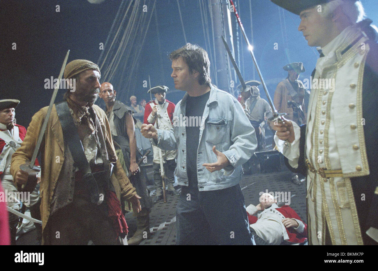 FILMING O/S 'PIRATES OF THE CARIBBEAN: THE CURSE OF THE BLACK PEARL' (2003) WITH GORE VERBINSKI (DIR), JACK - Stock Image