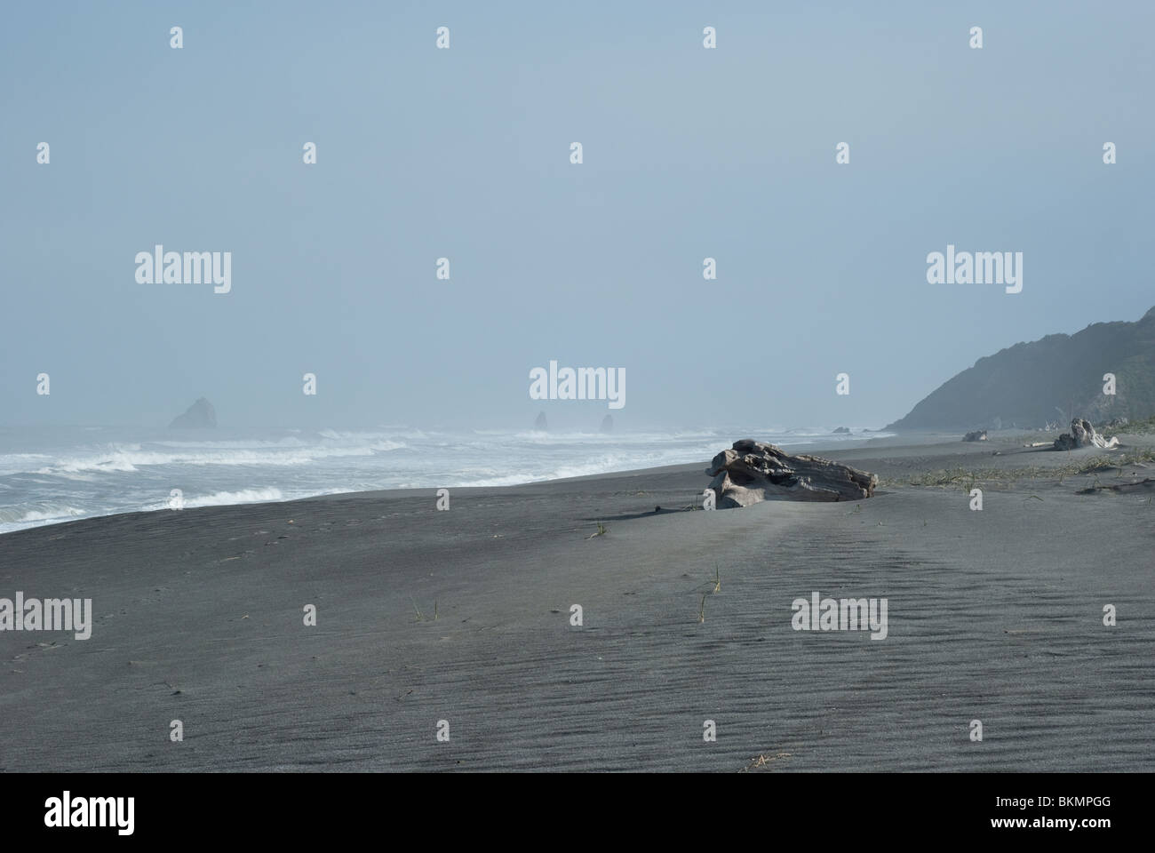 Empty overcast beach in northern California with a lot of negative space for copy-space - Stock Image