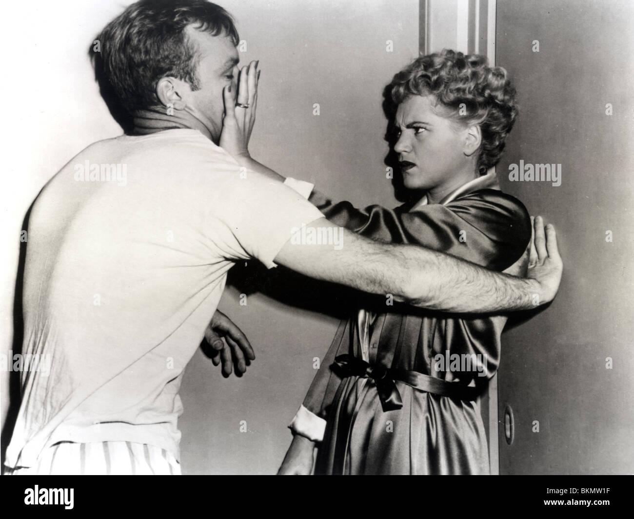 THE MARRYING KIND (1952) ALDO RAY, JUDY HOLLIDAY TMYK 001 P - Stock Image