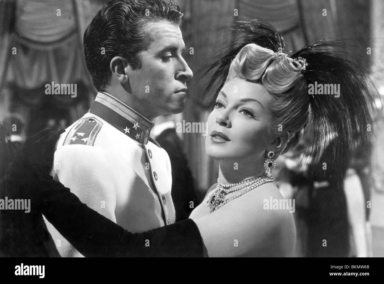 THE MERRY WIDOW (1952) FERNANDO LAMAS, LANA TURNER, CURTIS BURNHARDT (DIR) MRWW 007P - Stock Image