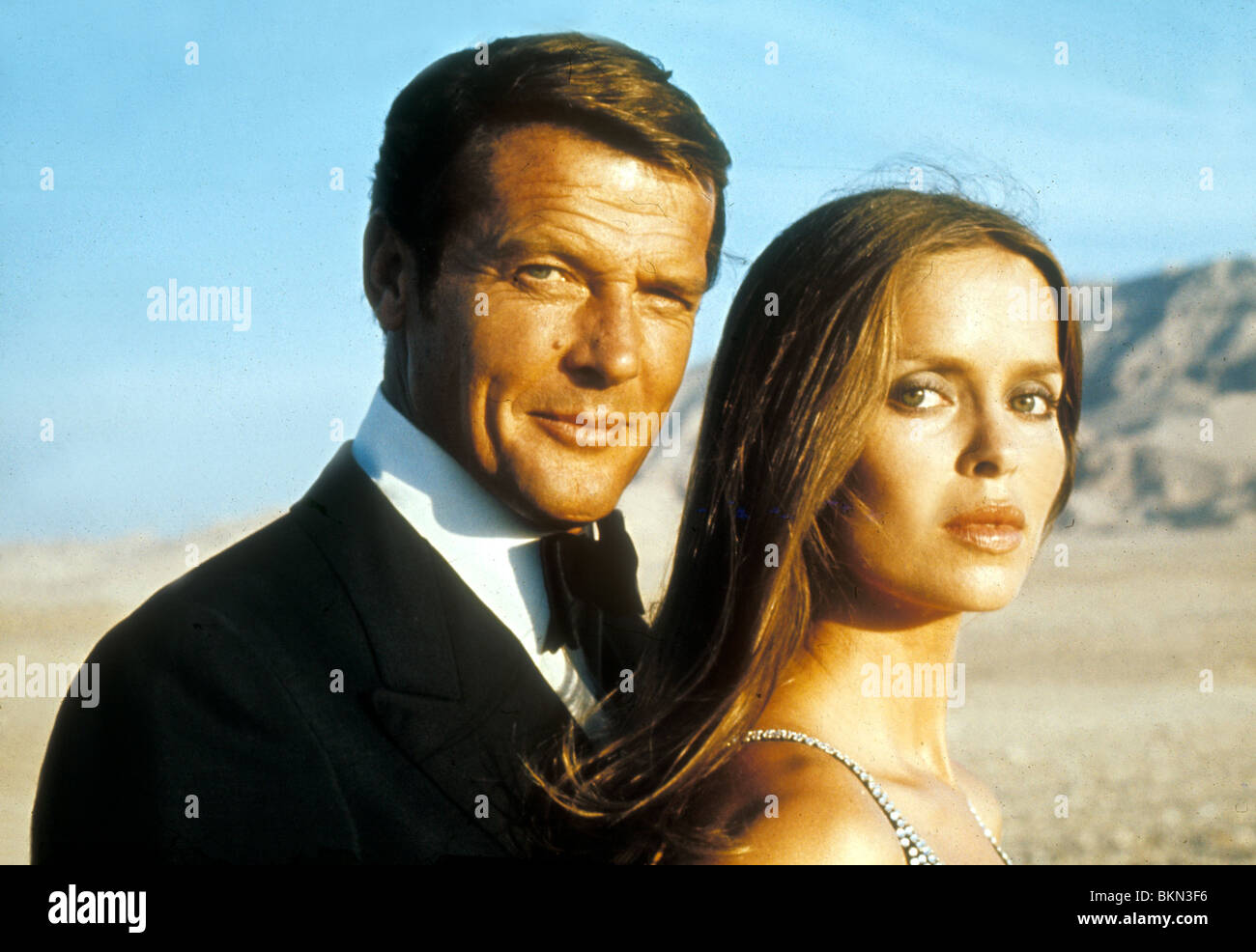 THE SPY WHO LOVED ME (1977) ROGER MOORE, BARBARA BACH CREDIT EON SLM 079 - Stock Image