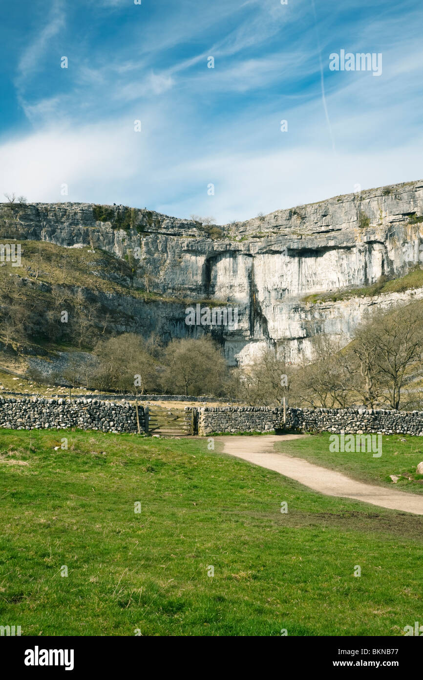 Malham Cove in the Yorkshire Dales National Park, Yorkshire, Uk - Stock Image