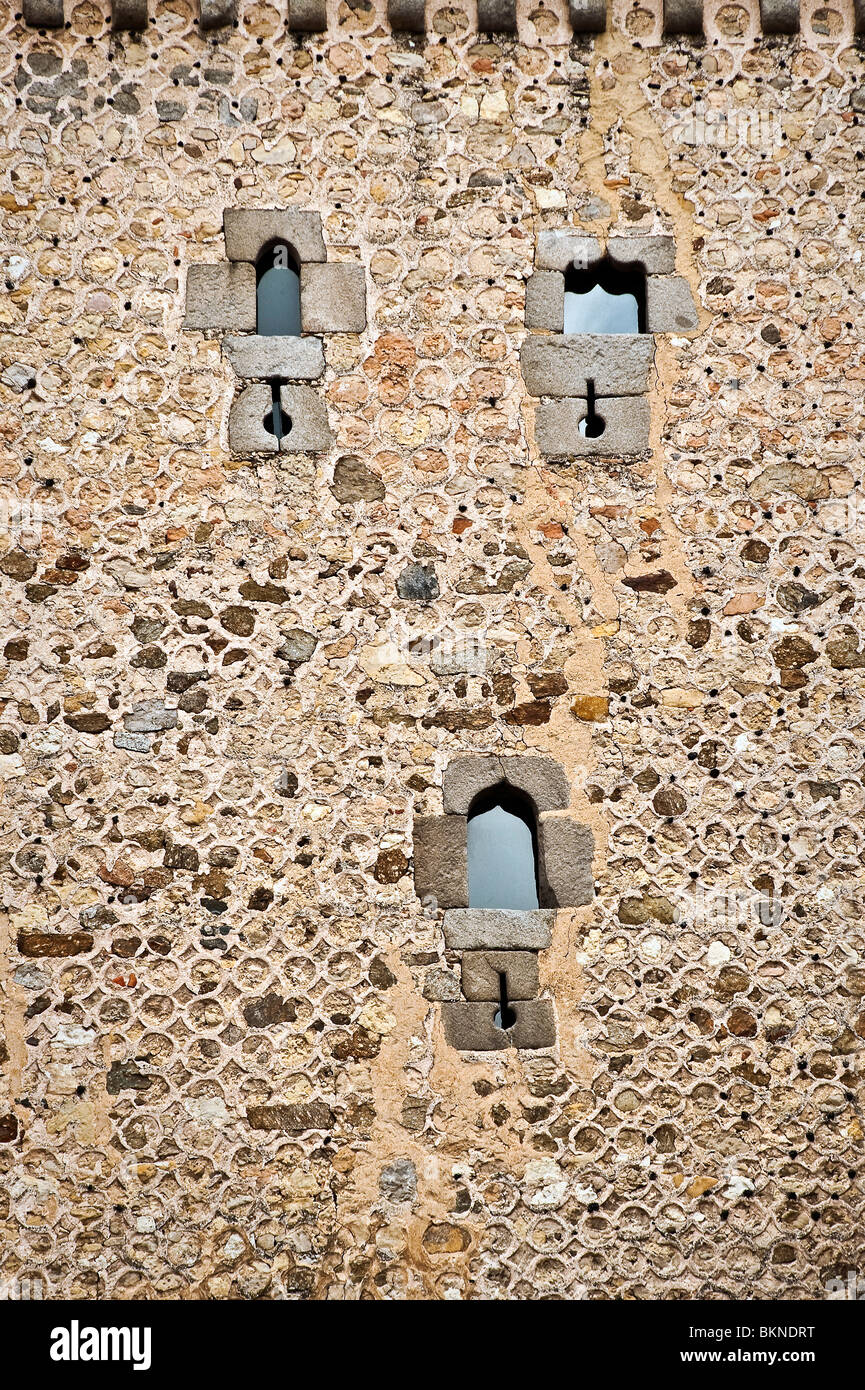 Ancient wall and windows, Segovia, Spain - Stock Image