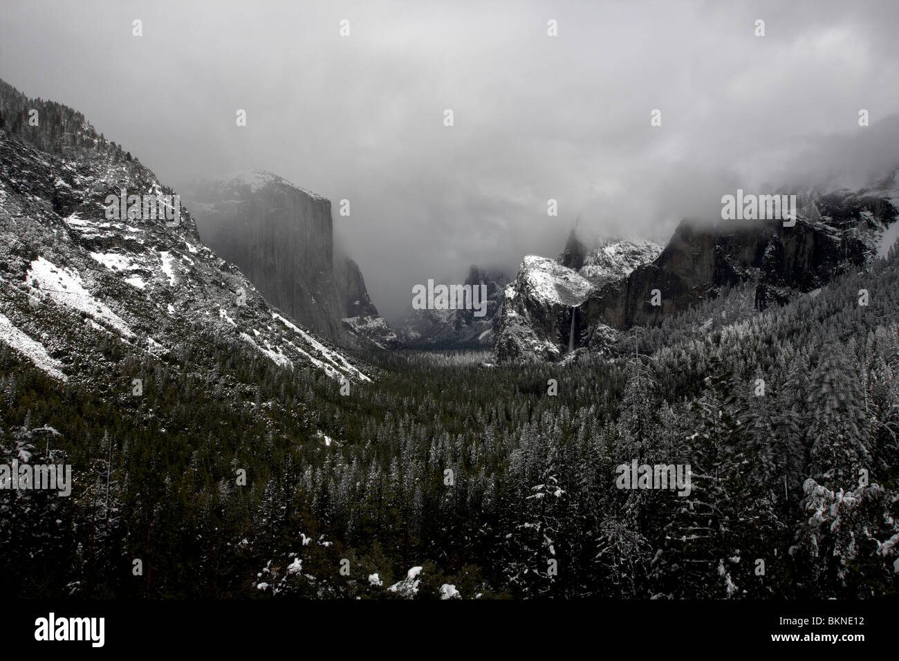 A spring storm lingers over Yosemite National Park. - Stock Image