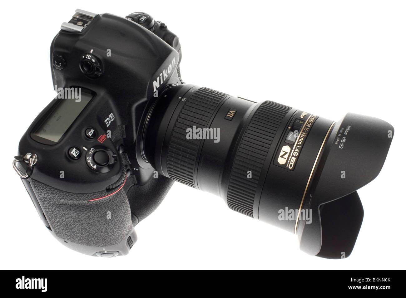 DSLR interchangeable lens - Nikon 16-35mm f/4 VR lens Stock