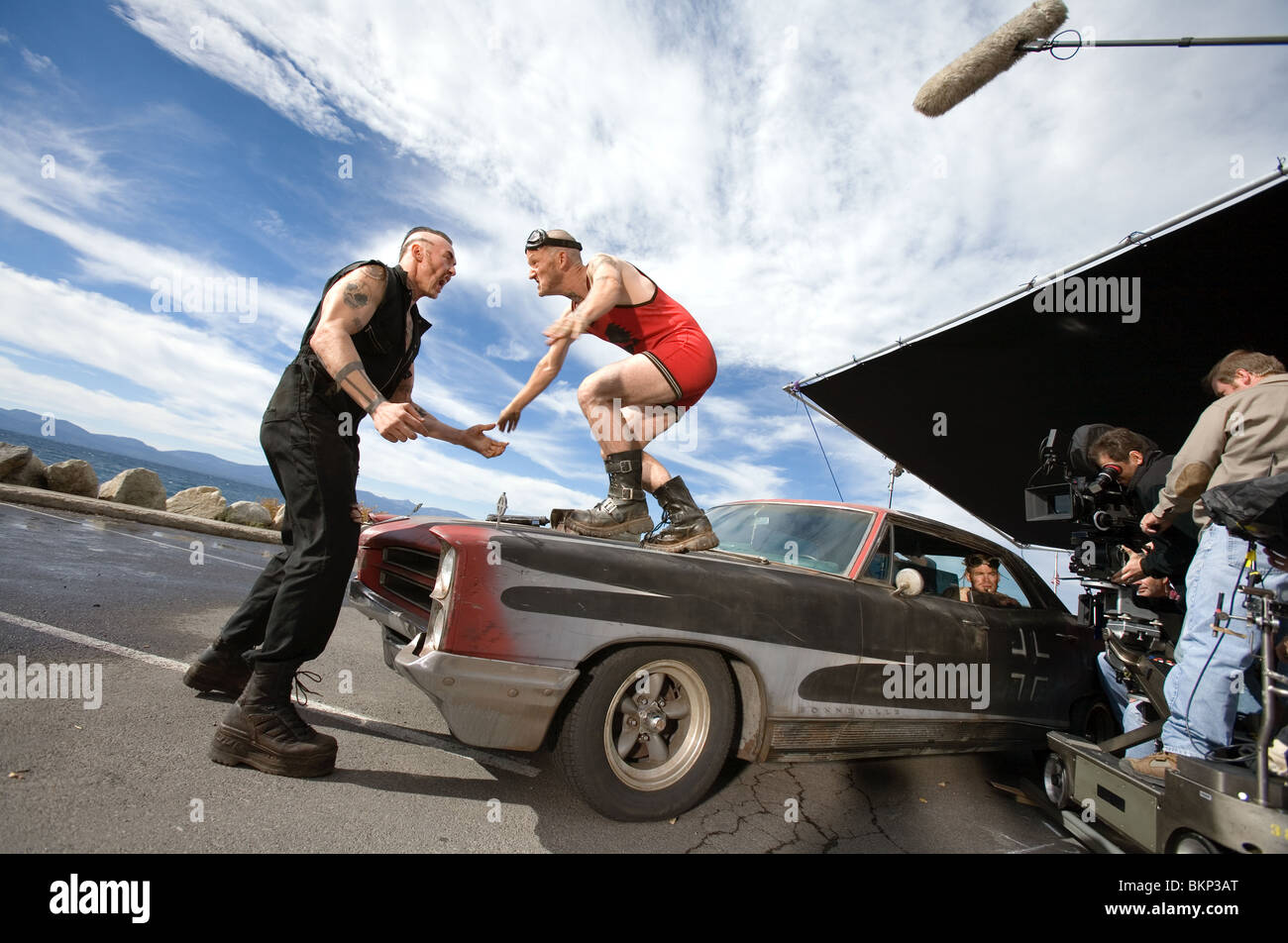 ON SET (ALT) FILMING (ALT) O/S 'SMOKIN' ACES' KEVIN DURAND, MAURY STERLING, CHRIS PINE ACES 001-28 - Stock Image