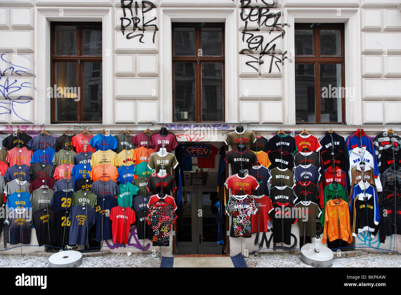 Berlin T-Shirt store with DDR shirts - Stock Image