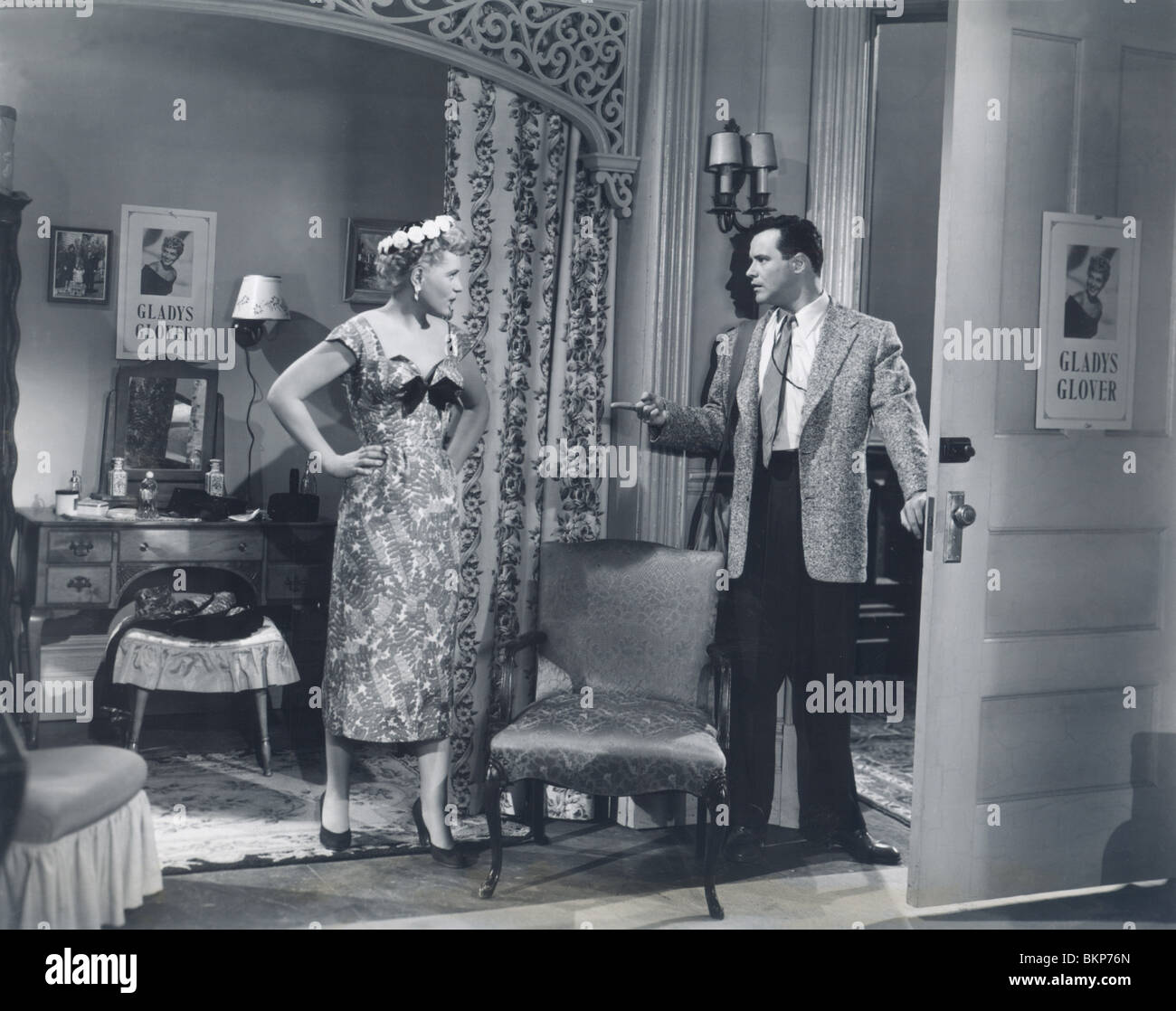 IT SHOULD HAPPEN TO YOU (1954) JUDY HOLLIDAY, JACK LEMMON ISHY 003P - Stock Image