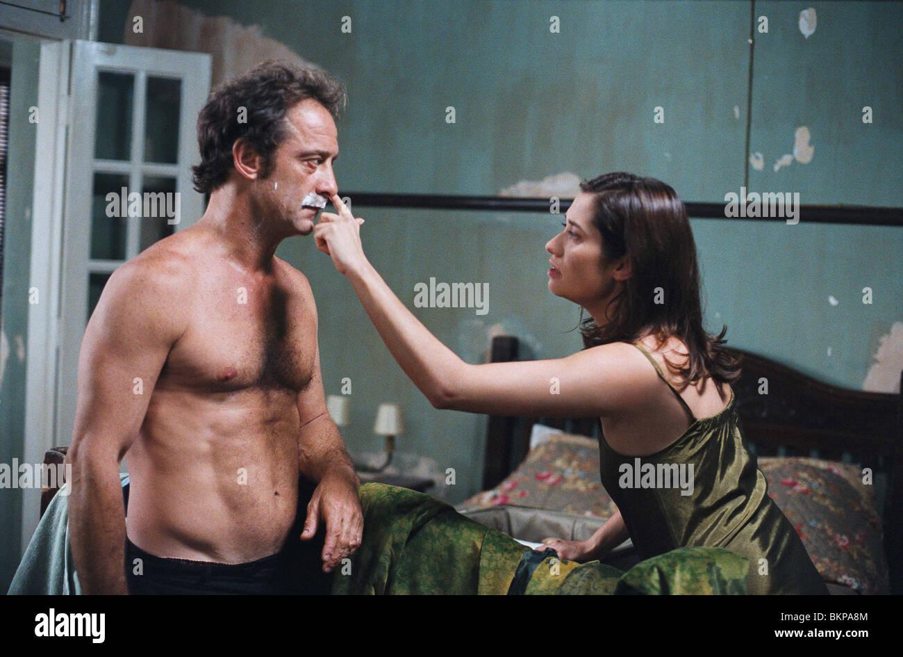 LA MOUSTACHE (2005) VINCENT LINDON, EMMANUELLE DEVOS MOUC 001-03 - Stock Image