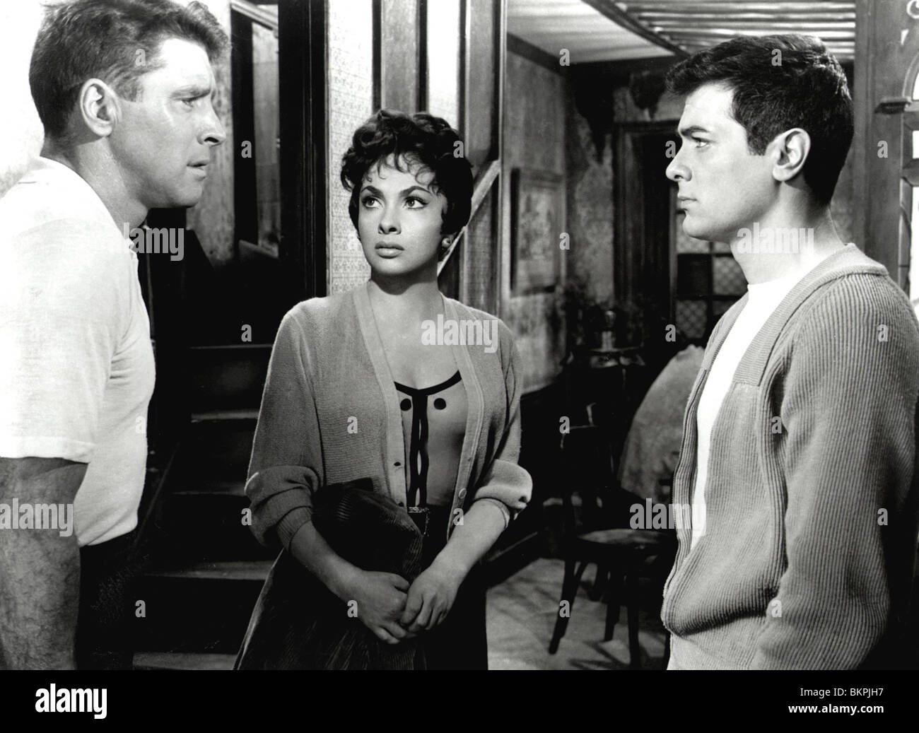 trapeze 1956 burt lancaster gina lollobrigida tony curtis tpz stock photo 29386371 alamy. Black Bedroom Furniture Sets. Home Design Ideas