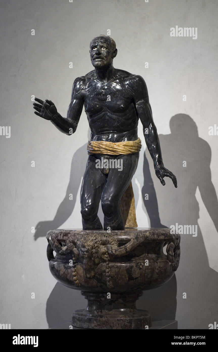 Vieux pêcheur, dit Sénèque mourant - Old fisherman, aka Seneca dying black marble, alabaster II th - Stock Image