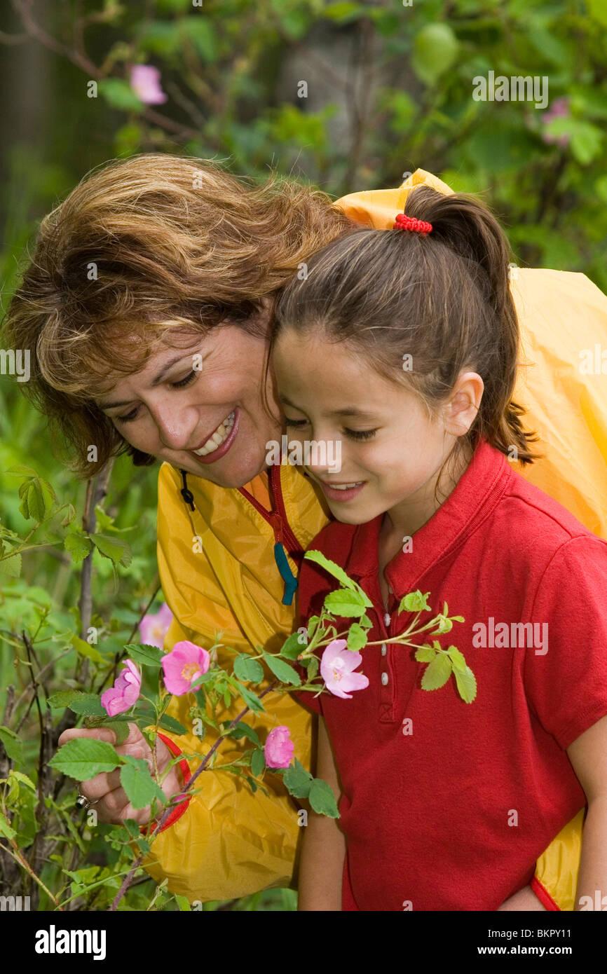 Mother & Daughter Enjoy Flowers @ Botanical Garden AK Anchorage ...