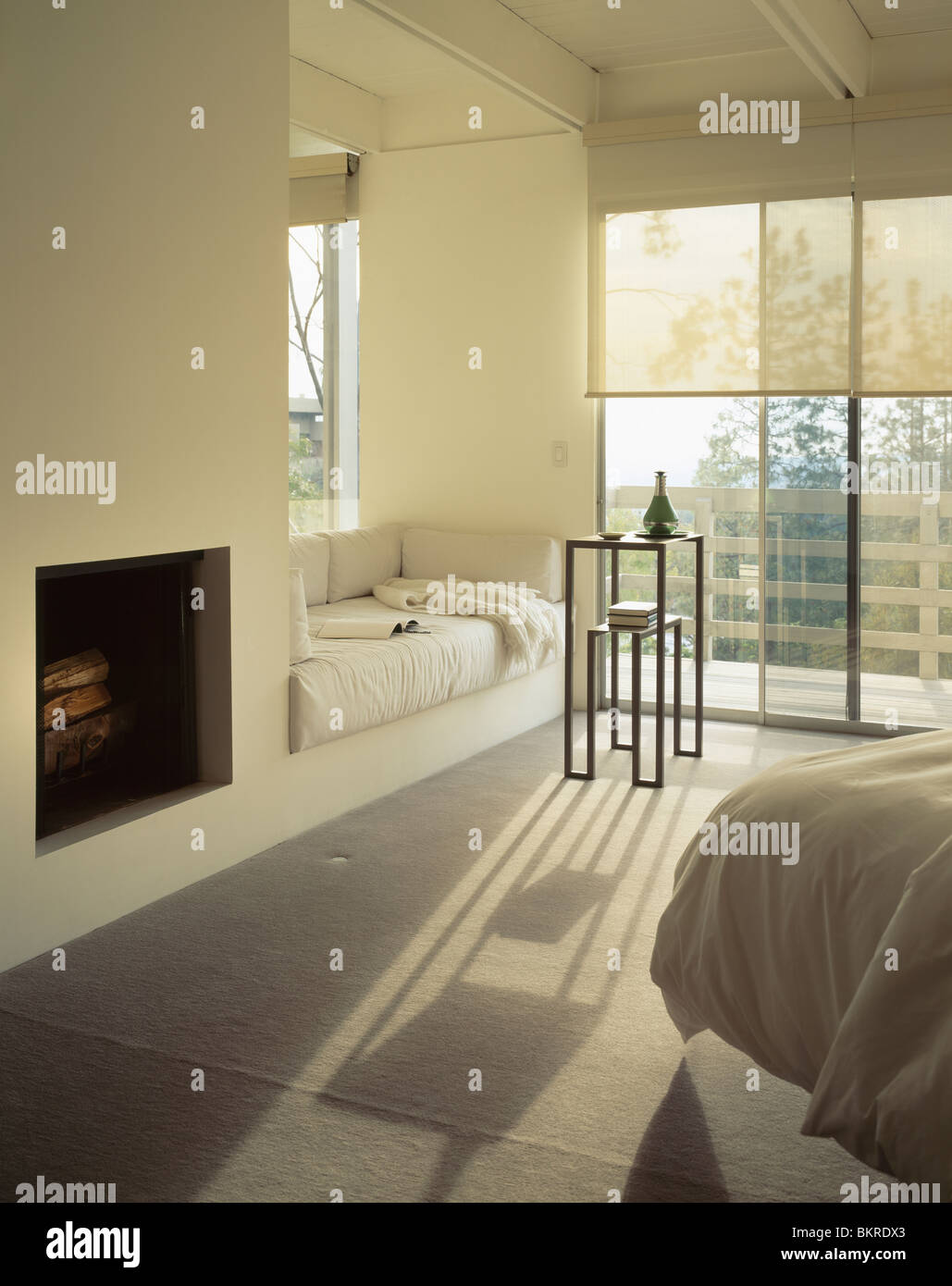 Wondrous Fireplace And Window Seat With Cream Cushions In Modern Theyellowbook Wood Chair Design Ideas Theyellowbookinfo