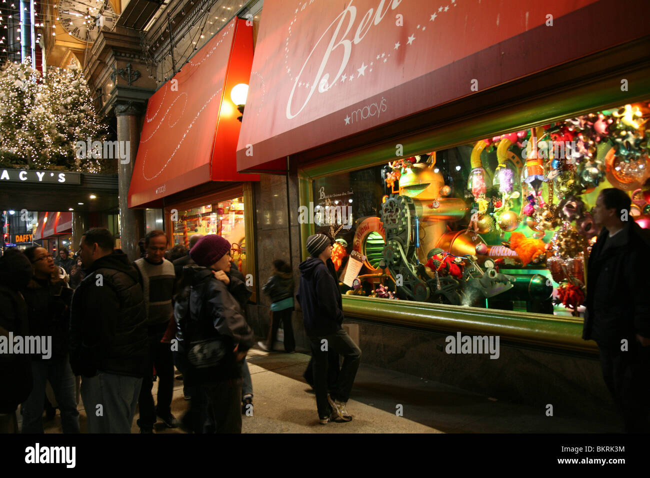 New York City Macy\'s Christmas Windows Stock Photo: 29408728 - Alamy