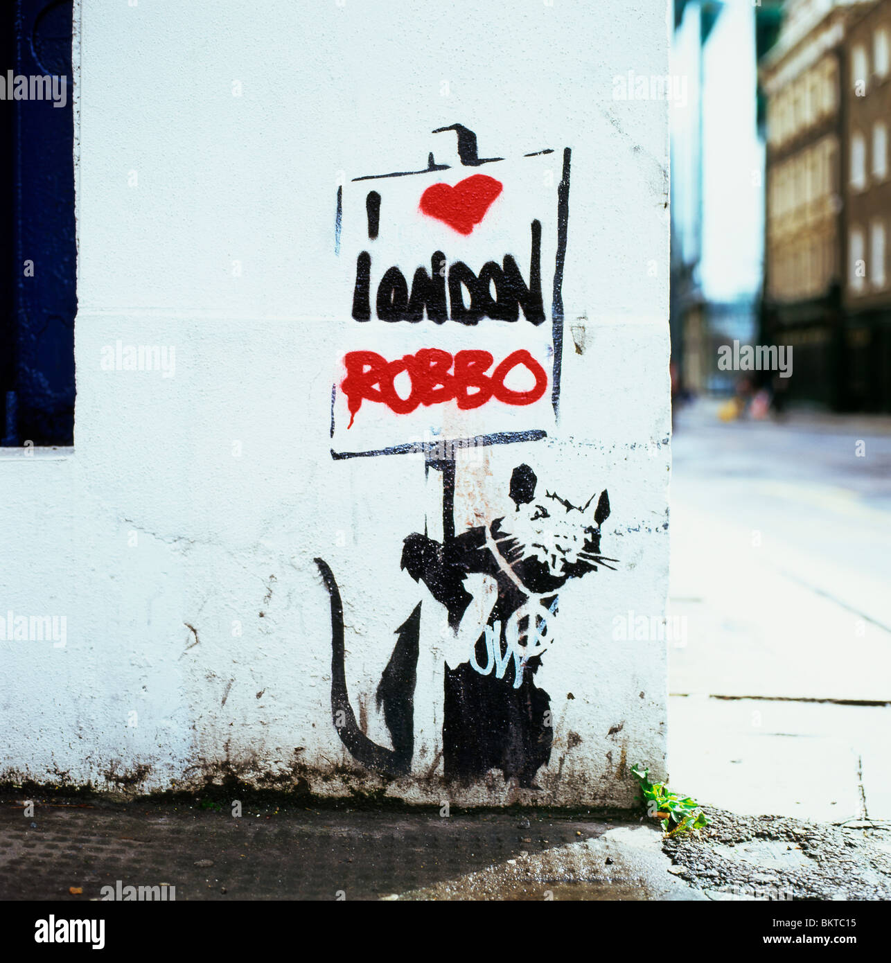 A Banksy stencil of a rat that once said 'London doesn't work' altered to say 'I love London' - Stock Image