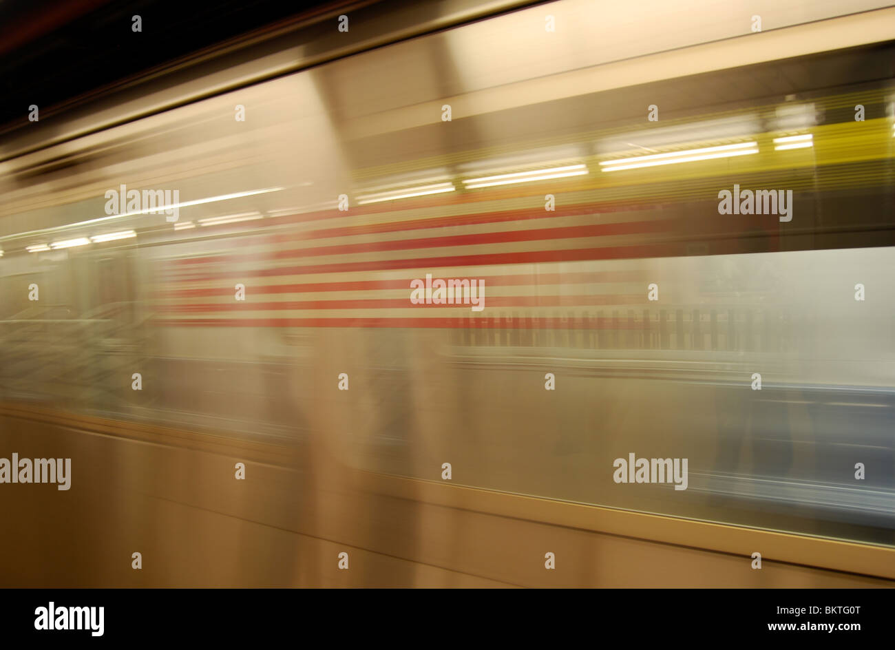 A New York MTA 2 Train pulls up at Wall Street SUbway Station, New York City, USA. - Stock Image