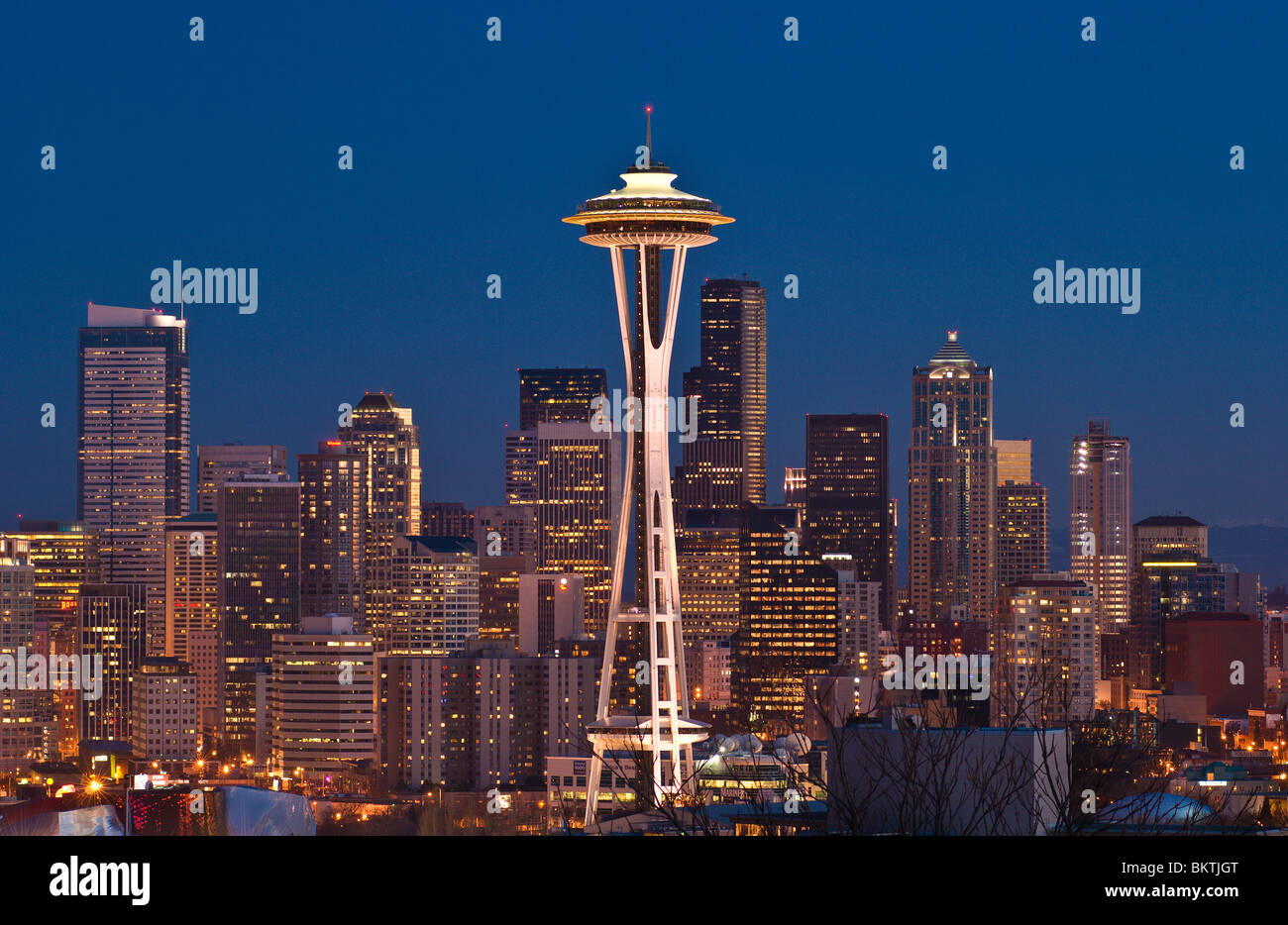 The Space Needle and downtown office buildings at twilight from Kerry Park on Queen Anne Hill Seattle, Washington. - Stock Image