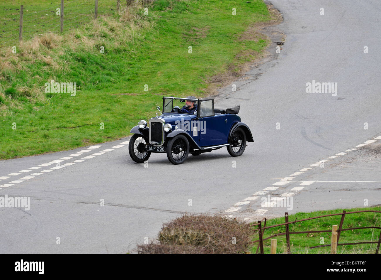 1934 AUSTIN SEVEN OPAL TWO SEATER. VINTAGE CARS 1934 ON THE OPEN ROAD. - Stock Image