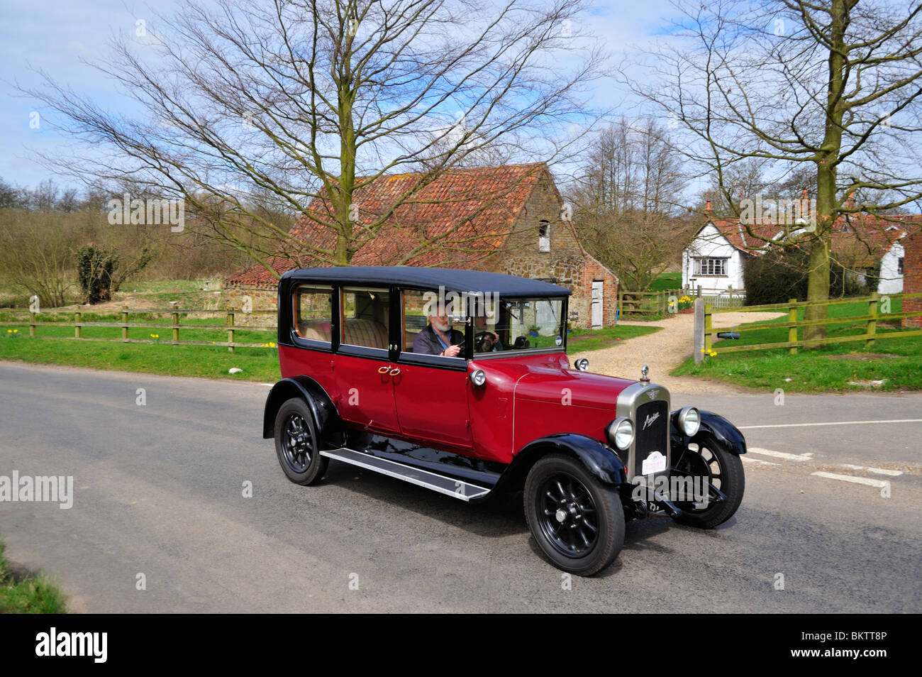 Austin 20/4 Mayfair Limousine 1927 Vintage Cars ON THE OPEN ROAD. - Stock Image