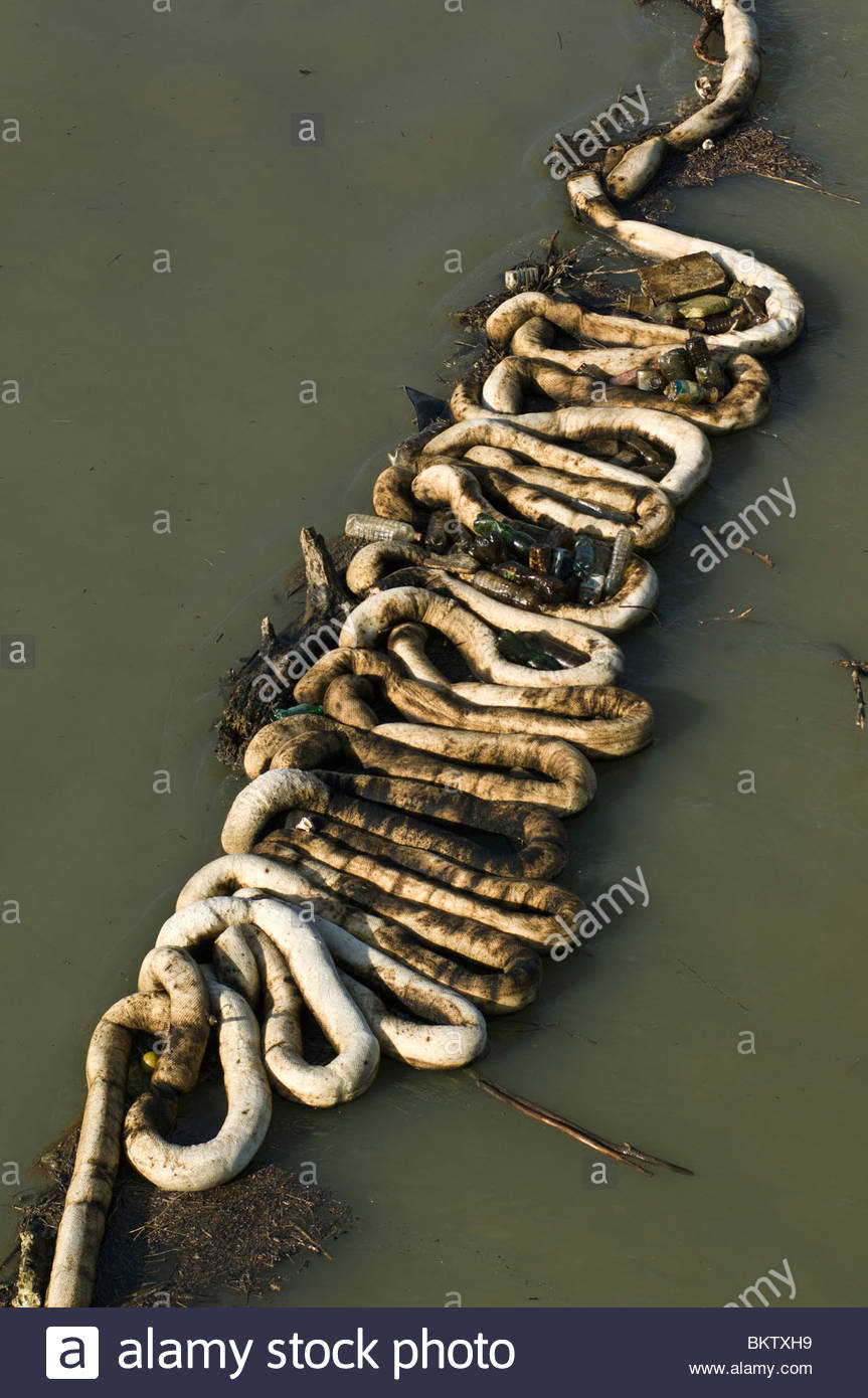 Oil pollution in the Po river,san nazzaro,emilia romagna,italy - Stock Image