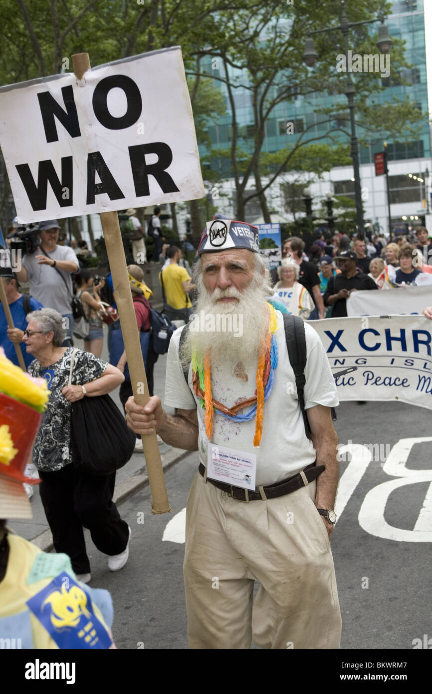 May 2, 2010: International ant-nuclear weapons demonstration and  peace march to the United Nations in New York - Stock Image