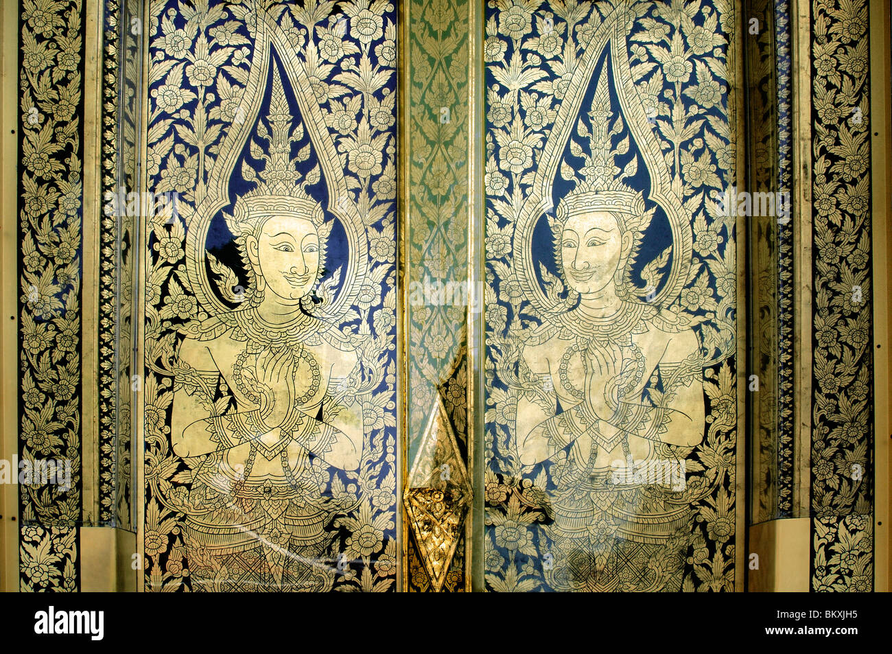 Decorative door panels with traditional Thai art at wat phra temple Bangkok ; Thailand ; South East Asia - Stock Image