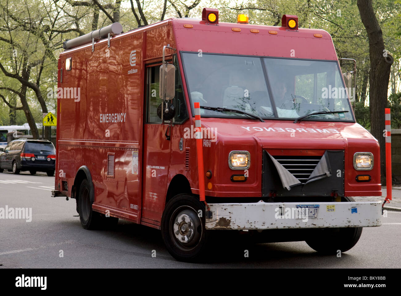 Con Edison truck performing emergency maintenance work on 5th Avenue, New York City - Stock Image