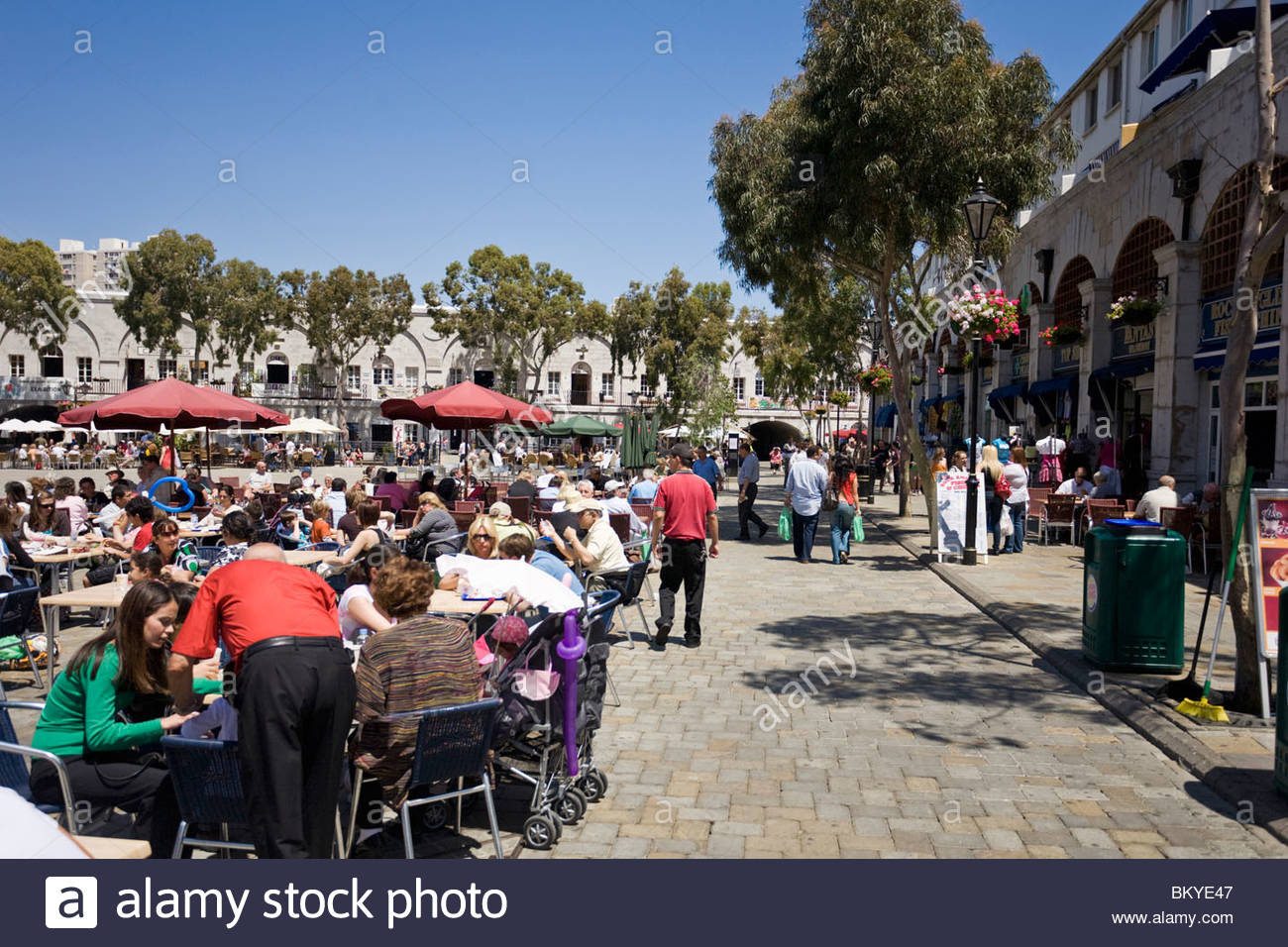 Grand Casemates Square in Gibraltar, shopping and lunch in the British Colony, Province Malaga, Andalucia, Spain - Stock Image