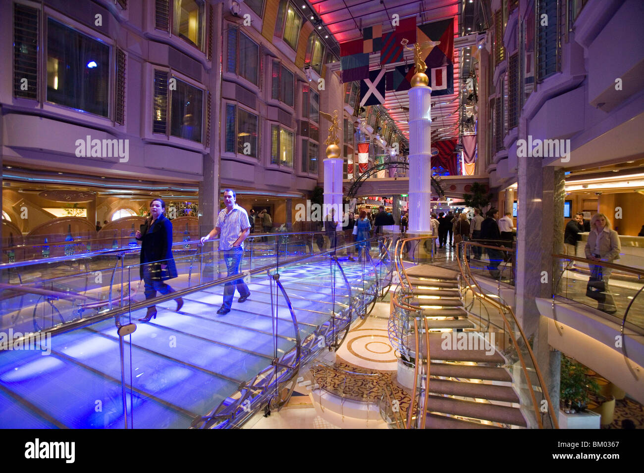 Royal Promenade On Deck 5 Freedom Of The Seas Cruise Ship Caribbean International Line