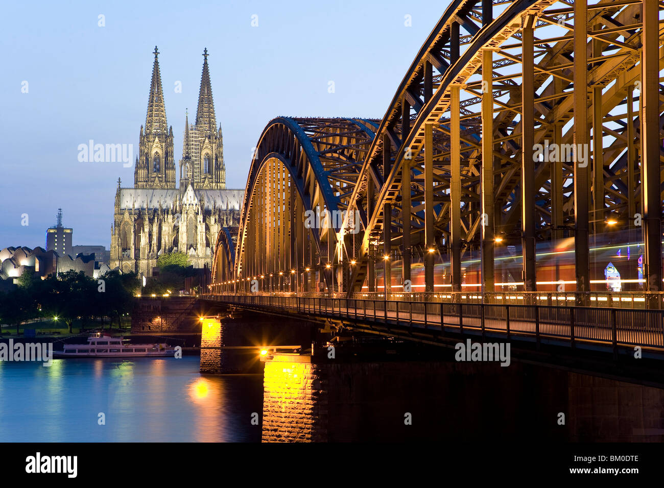 Cologne Cathedral with Hohenzollernbruecke, Cologne, North Rhine-Westphalia, Germany - Stock Image